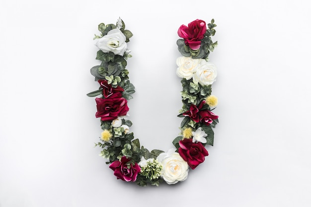 Monograma floral flor letra u