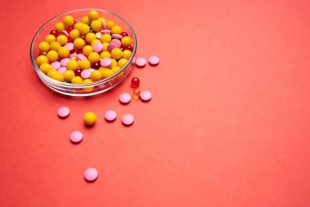 Montanha de pílulas farmacologia medicina tratamento saúde