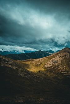 Montanha marrom