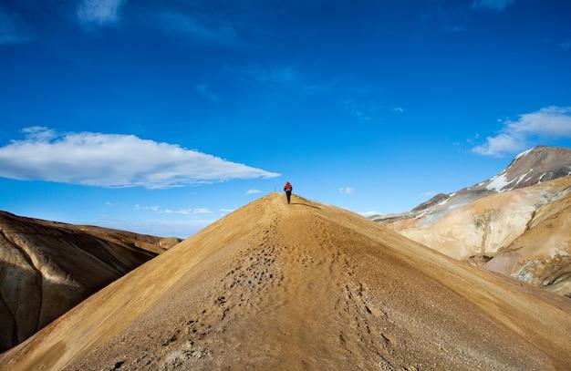 Montanha na islândia com blu ver