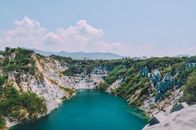 Montanha rocha, em, céu, vista, fundo, cópia, spec, viagem, lago, vista