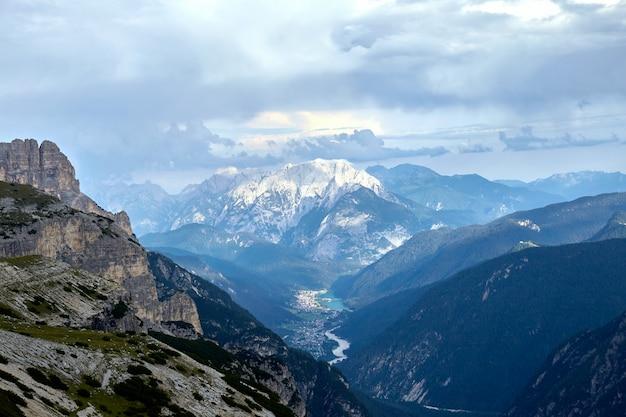 Montanhas acima de auronzo di cadore