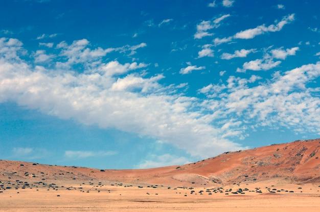Montanhas bonitas e coloridas da namíbia