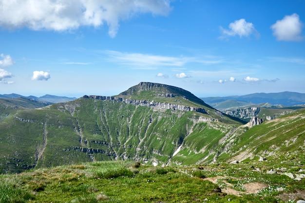 Montanhas bucegi na roménia