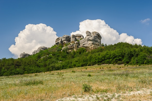 Montanhas da crimeia perto de eski kermen