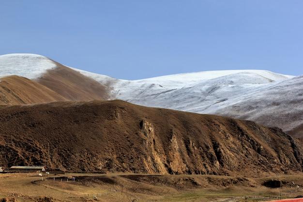 Montanhas de leh, ladakh, jammu e caxemira, índia