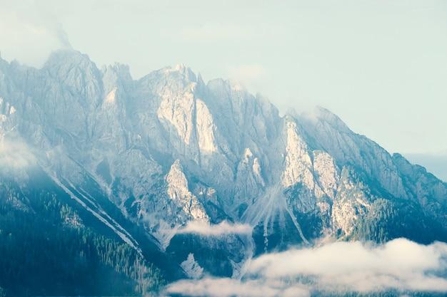 Montanhas do município de toblach