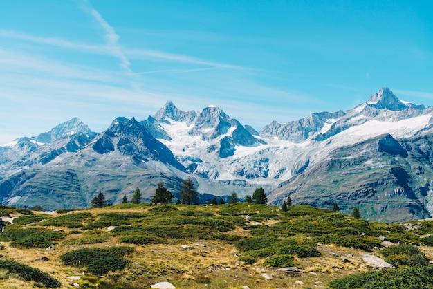 Montanhas dos alpes em zermatt