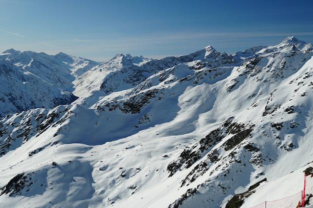 Montanhas panorâmicas nos alpes austríacos