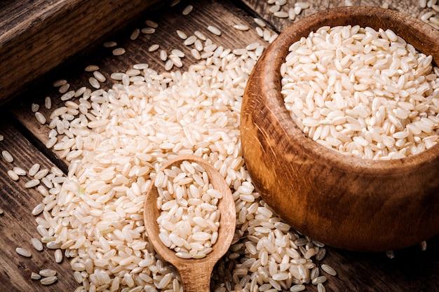 Monte de arroz integral