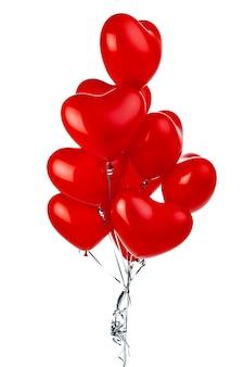 Monte de balões em forma de coração vermelho