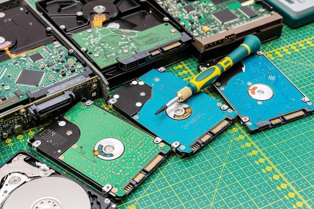 Monte de, pacote de unidades de disco rígido em reparo de informações de disco rígido, serviço de recuperação