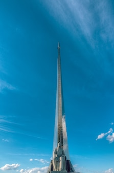 Monumento dedicado à cosmonáutica na urss. vdnkh monumento ao cientista tsiolkovsky. moscou, rússia