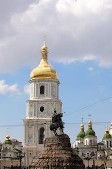Monumento do famoso ucraniano hetman bogdan khmelnitsky