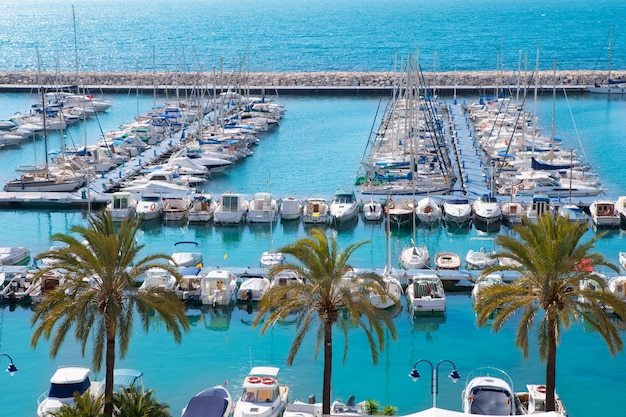 Moraira alicante marina porto náutico alta no mediterrâneo