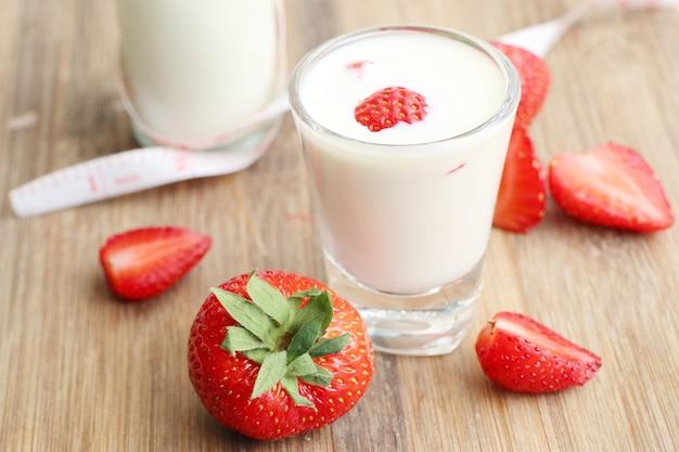 Morango fresco com leite