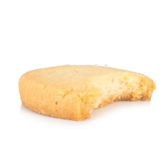 Mordida de cookies isolada no branco