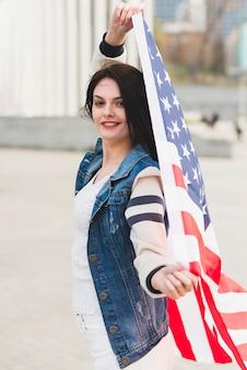 Morena, mulher, com, bandeira americana