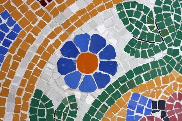 Mosaico feito com ladrilhos