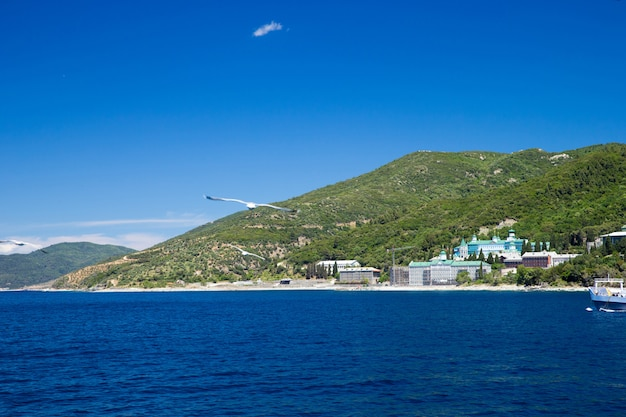 Mosteiro à beira-mar