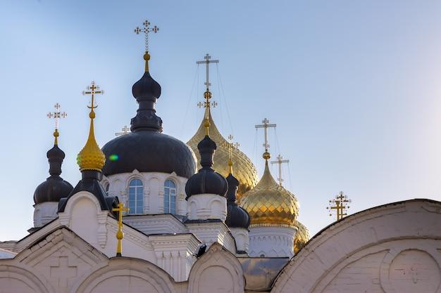 Mosteiro da epifania de santa anastasia. kostroma, rússia