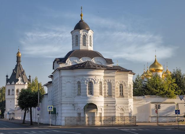 Mosteiro da epifania de st anastasia kostroma, rússia