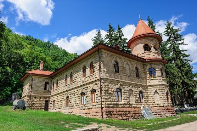 Mosteiro da mulher rudi (convento) na moldávia