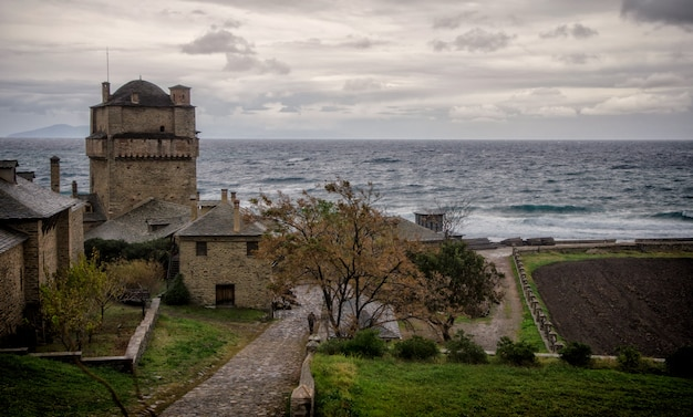 Mosteiro de iviron na península de athos, na grécia.