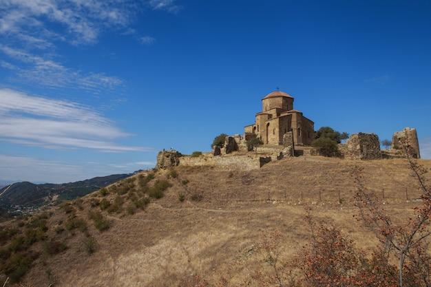 Mosteiro de jvari perto da cidade de mtskheta na geórgia