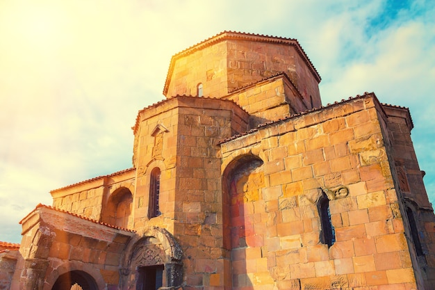Mosteiro de jvari perto da cidade de mtskheta no país da geórgia