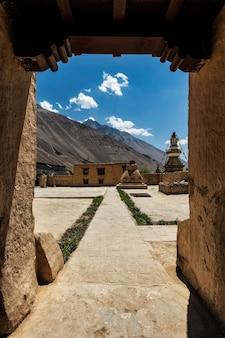 Mosteiro de tabo na vila de tabo, vale spiti, himachal pradesh, índia
