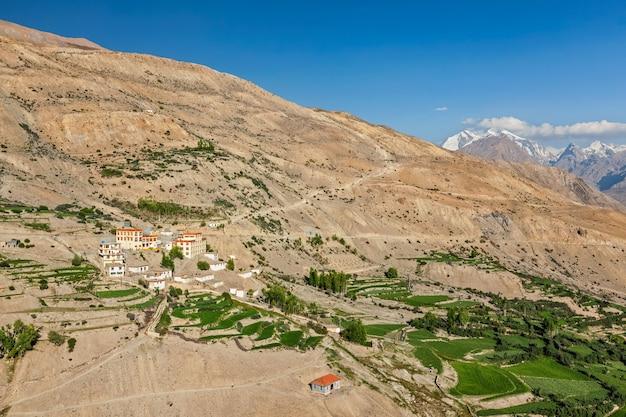 Mosteiro dhankar gompa e aldeia dhankar spiti valley himachal pradesh índia