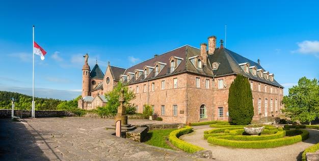 Mosteiro em mont sainte odile Foto Premium