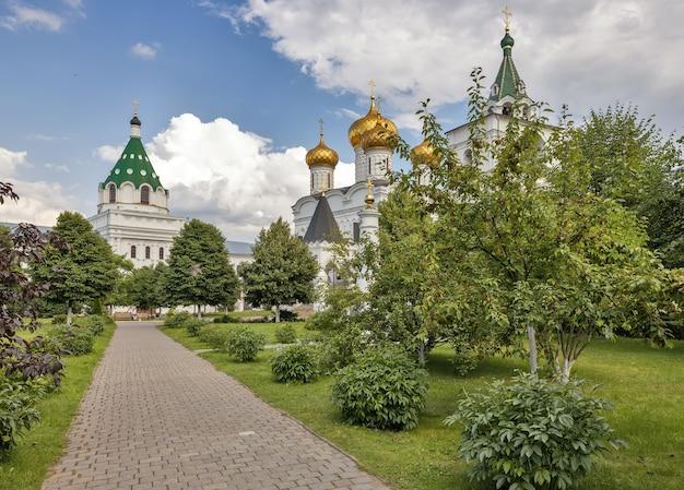 Mosteiro ipatiev na cidade de kostroma