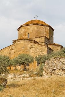 Mosteiro jvari, um mosteiro ortodoxo da geórgia perto de mtskheta, leste da geórgia