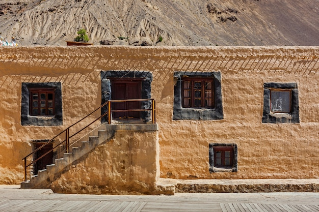 Mosteiro tabo. vale de spiti, himachal pradesh, índia