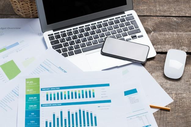 Mostrando negócios e relatório financeiro. contabilidade