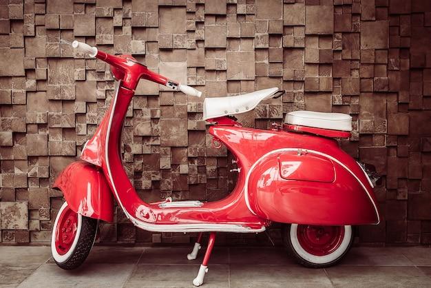 Motocicleta vermelha do vintage
