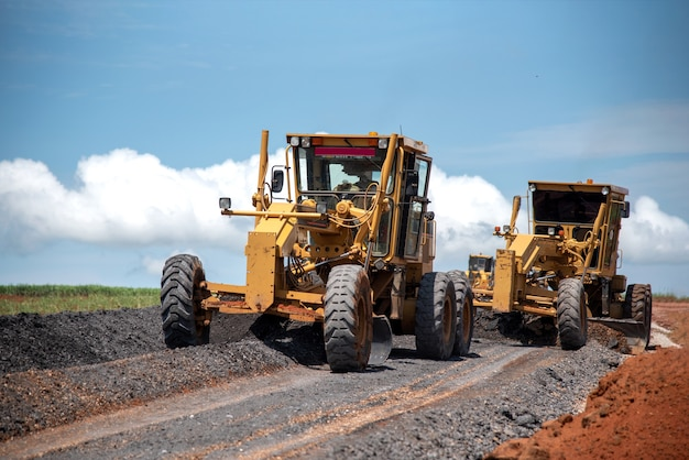 Motoniveladora construção civil melhoria obras rodoviárias