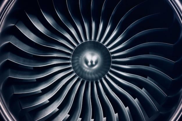 Motor de jato da rendição 3d, lâminas do motor de jato da opinião do close-up. tonalidade azul.