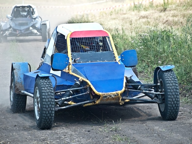 Motor offroad extremo na pista