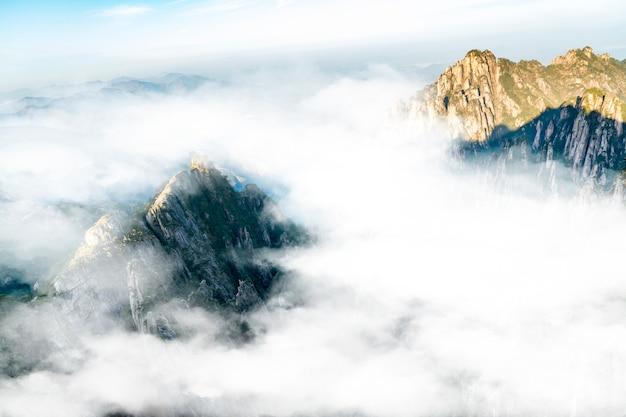 Mount huangshan qifeng assombra o cenário marinho
