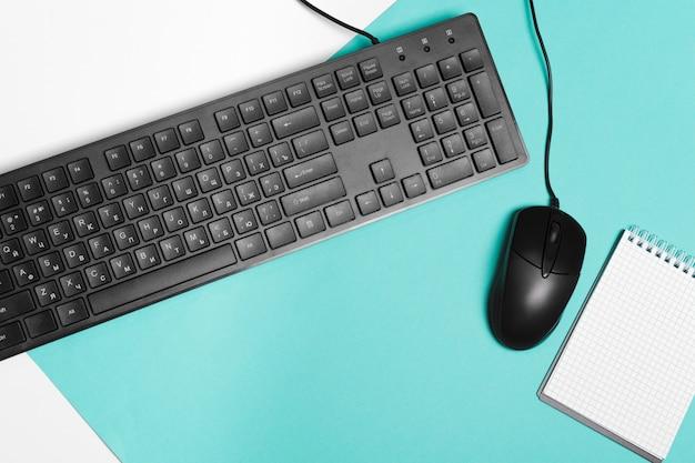 Mouse e teclado de computador