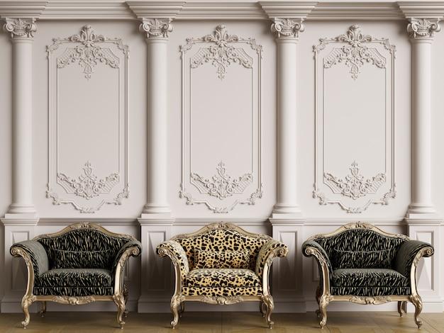 Móveis clássicos em interior clássico com espaço de cópia
