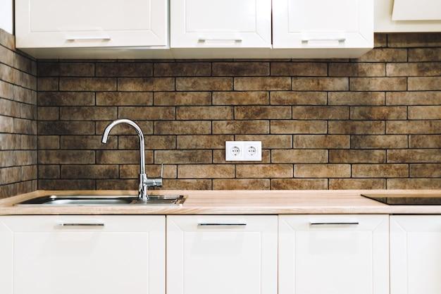 Móveis de cozinha e armários
