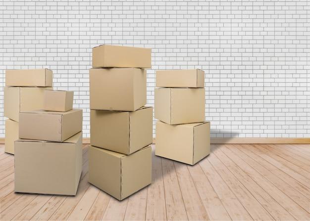 Mover-se em nova casa. quarto vazio com caixas da caixa