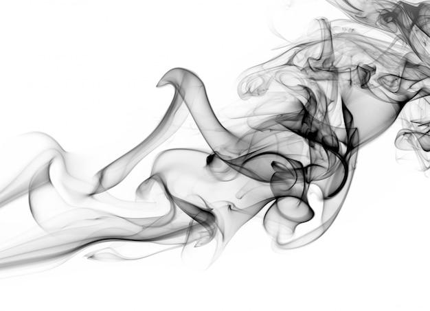 Movimento de fumaça preta sobre fundo branco, design de fogo
