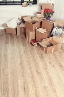 Mudando de casa com caixas de papelão