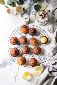 Muffins caseiros de limão