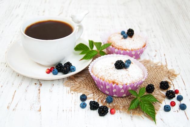 Muffins com frutas frescas